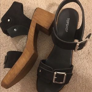 TOPSHOP Sandals Black Buckle Straps Wooden Heels 9